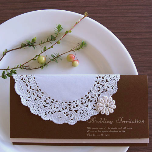ティアラ・ブラウン 結婚式招待状